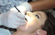 despre implanturi dentare